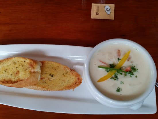 Waiwera, New Zealand: Sugarloaf seafood chowder