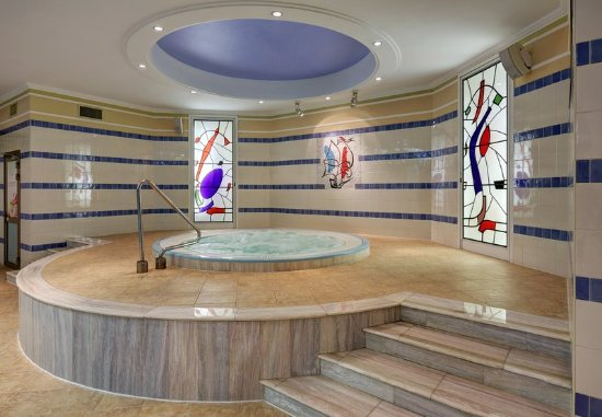 Moscow Marriott Royal Aurora Hotel: Aurora Fitness - Whirlpool