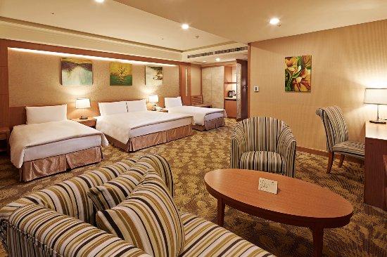 โรงแรมอีดาสกายลาร์ค