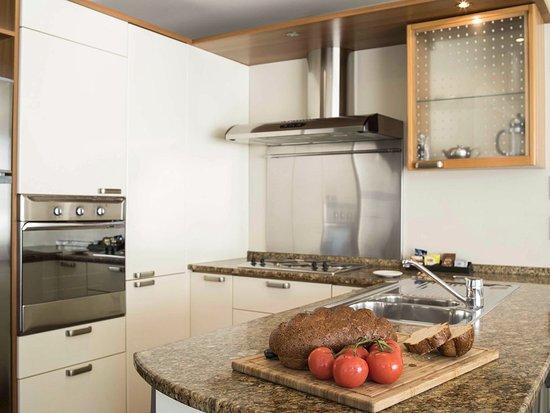 Belle Mer Beachfront Apartments: Modern Kitchen