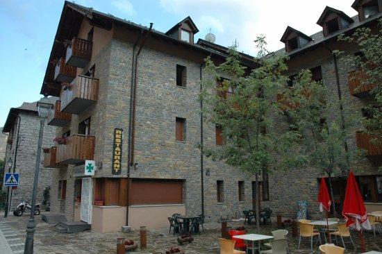 Hotel Els Encantats: Hotel exterior