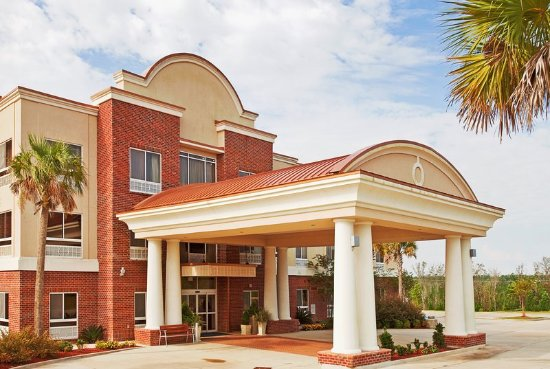 Lucedale, MS: Hotel Exterior