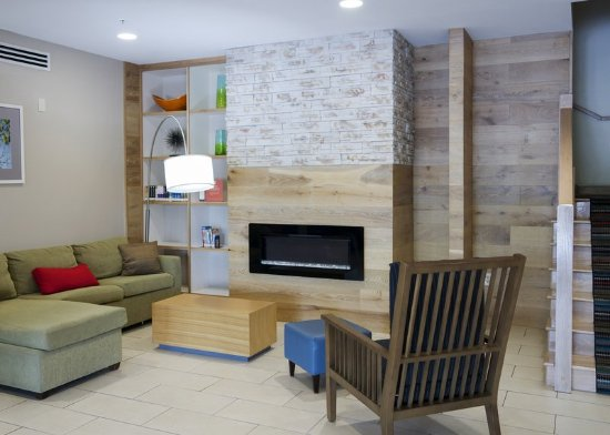 Capitol Heights, MD: CHMDLiving Room