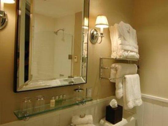 Hayward, Ουισκόνσιν: Guest Room Bath
