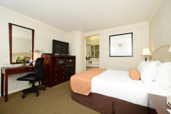 Menlo Park, CA: King Suite