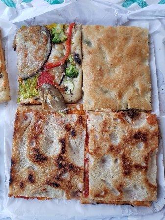 Lavinio Lido di Enea, Italy: pizza 3