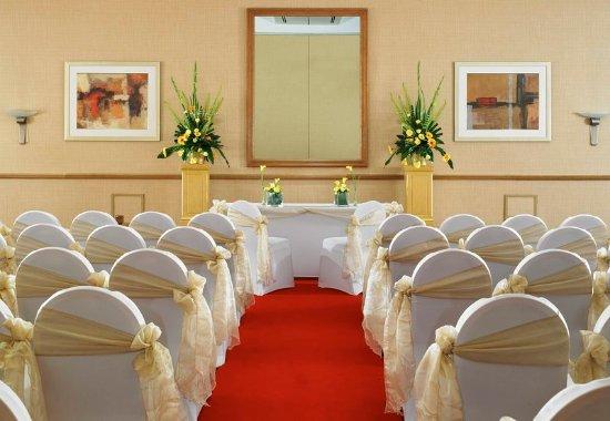 Swindon Marriott Hotel: Uffington Suite – Wedding Ceremony
