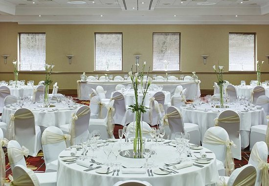 Swindon Marriott Hotel: Uffington Suite – Wedding Reception