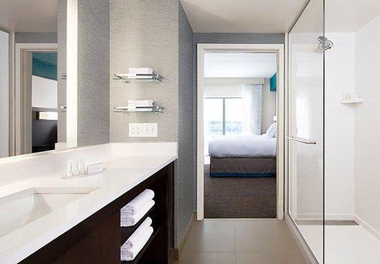 West Columbia, Güney Carolina: Suite Bathroom