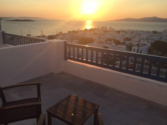 Little Rochari: coucher de soleil depuis la terrasse