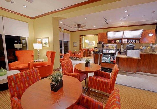 Jensen Beach, FL: The Bistro services light fare and coffee