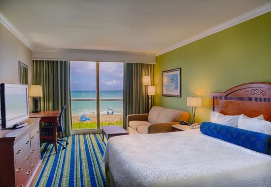 Jensen Beach, FL: Enjoy plenty of space in our hotel's King Oceanfront Guest Room