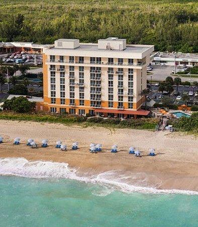 Courtyard by Marriott Hutchinson Island Oceanside/Jensen Beach is an ideally located Florida hot