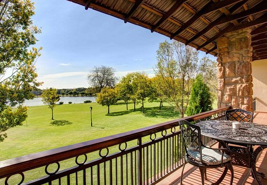 Centurion, South Africa: Deluxe Guest Room - Balcony