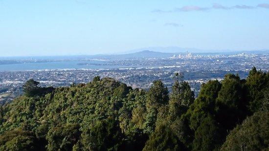 Waiatarua, Nueva Zelanda: the view to auckland