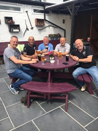 Military reunion start point. The Old Wheatsheaf in Frimley Green. 👍🏻