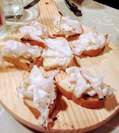 Anzola dell'Emilia, Italy: Crostini con il Lardo ............. gustosissimi da provare!!!