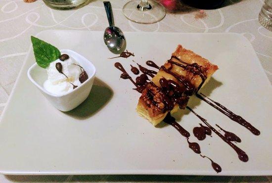 Anzola dell'Emilia, Italy: Le delizie dello chef Mirko: dolci fatti in casa al momento. Fatevi coccolare, sono una delizia!