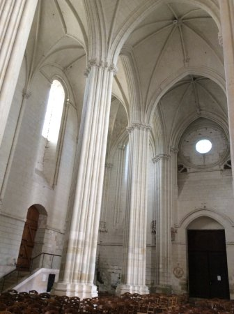 Candes-Saint-Martin, França: Abbatiale deCandes St Martin
