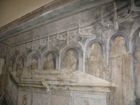 Église Saint-Maurice : Tomb with painted monks mourning