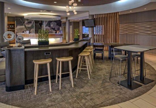 Moore, OK: Lobby - Seating Area