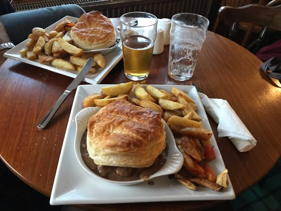 Fettercairn, UK: DELICIOUS BEEF AND ALE PIE