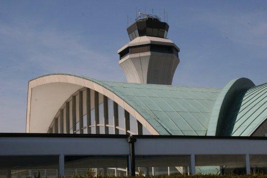 Berkeley, MO: Lambert St. Louis Airport