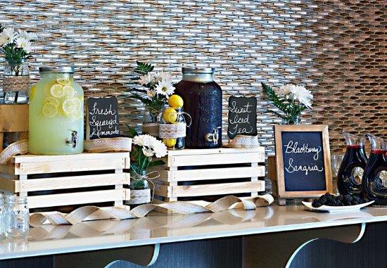 Kingsport, TN: Fireside Foyer Catering