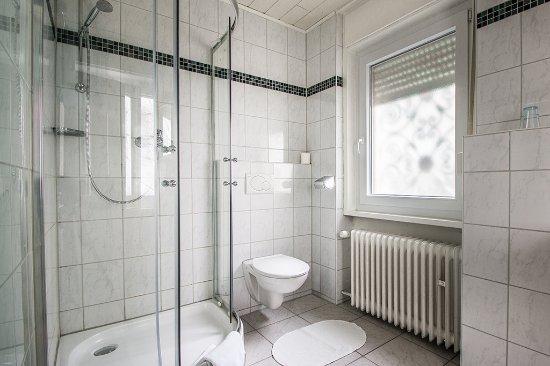 Hote Loehr: Eintelzimmer