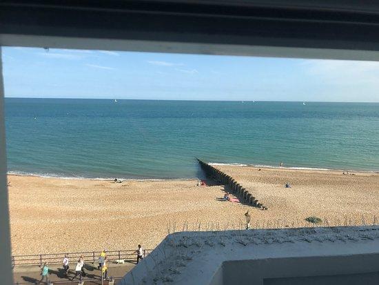Langham Hotel: View onto the Beach