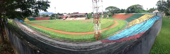 Ambon, Indonesië: Stadion Mandala, thuishaven van Stichting Sepak Nola Belanda uit Nederland