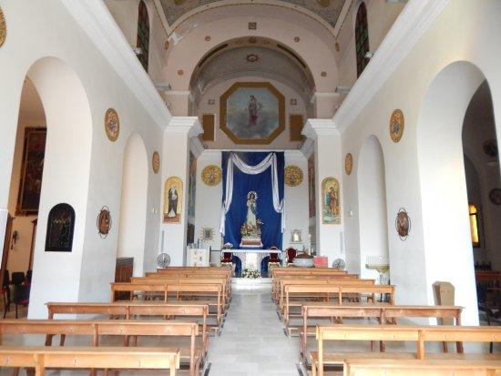 Chiesa Santa Caterina da Siena: Interno navata centrale