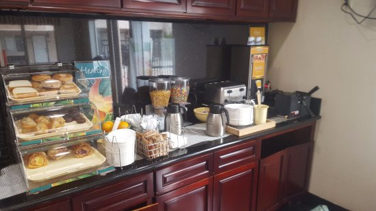 Monrovia, CA: Breakfast Buffet