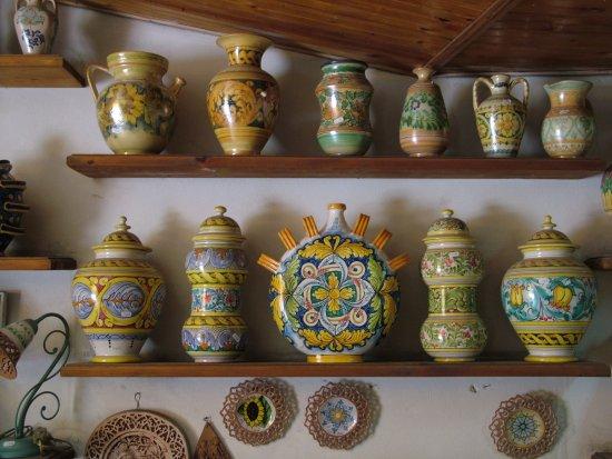 Showroom collezione vasi foto di ceramiche desuir santo