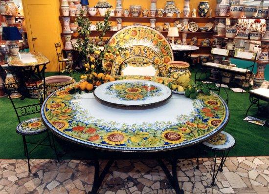 Ceramiche Desuir: Showroom