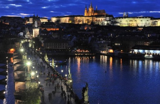 Prague Sunset and Twilight Photo Walking Tour