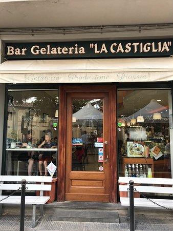 Bar La Castiglia: Best gelato in Italy!!