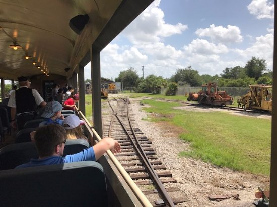 Parrish, FL: Getting to Willow train station
