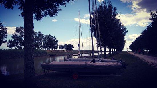 Saint Fort sur Gironde, France: Vue depuis la terrasse de la crêperie restaurant Lan Vihan