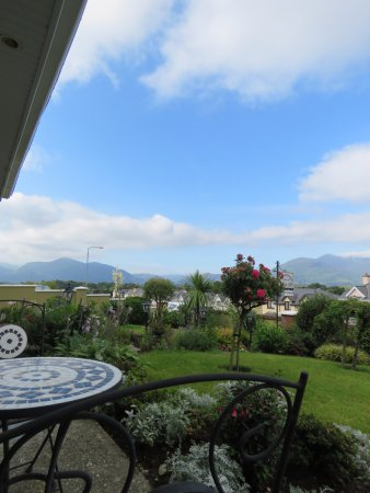 Chelmsford House Lakes of Killarney: Breakfast view