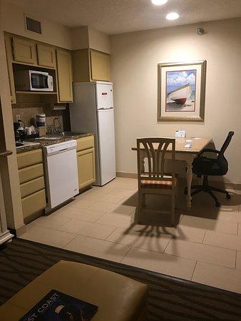 Hawthorn Suites By Wyndham Jacksonville: photo1.jpg