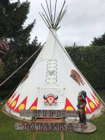 Seine-et-Marne, Prancis: notre tipi sioux TATANKA