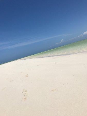 Jacaranda Beach Resort: photo3.jpg