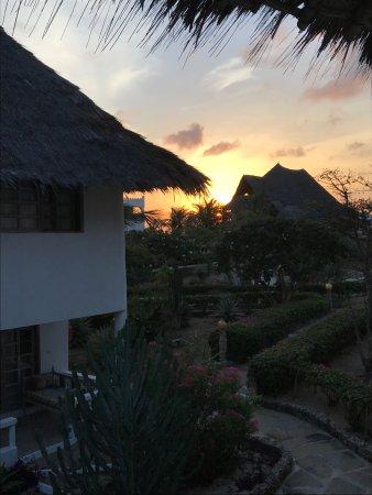 Jacaranda Beach Resort: photo4.jpg