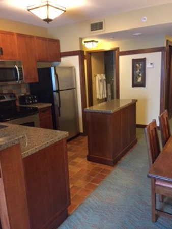Kitchen In 48 Bedroom Villa Picture Of Disney's Grand Californian Enchanting 2 Bedroom Suites In Anaheim Near Disneyland Exterior Painting