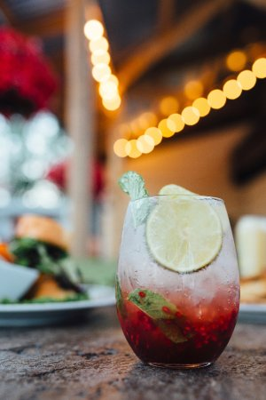Lacombe, Canada: Secret Barrel Raspberry Mojito