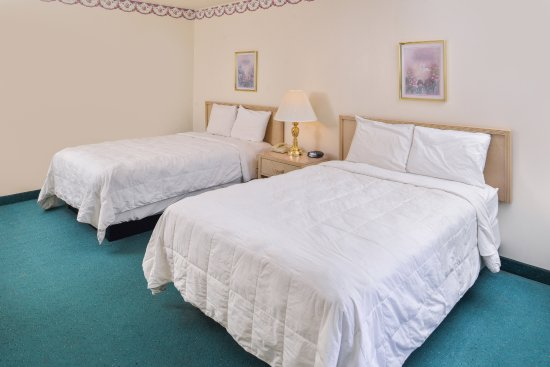 Bluffton, IN: Two Double Beds