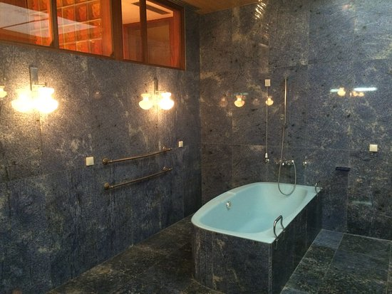 Deel van de badkamer - Picture of Tito\'s Villa Galeb, Herceg-Novi ...