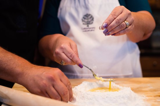 Montefollonico, Italy: Making pasta with Cook in Tuscany