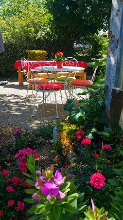 la maison vari jardin fleuri et ombrag - Jardin Fleuri